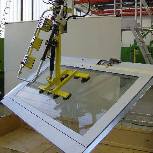 electric manipulator / vacuum / positioning / loading