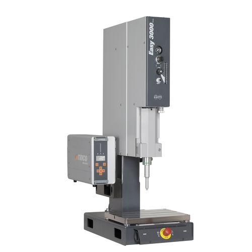 ultrasonic welding machine / AC / automatic / for plastics