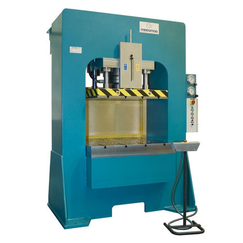hydraulic press / forming / double-action / 4-column