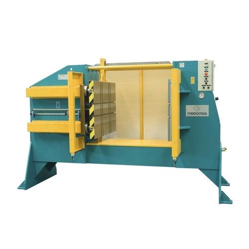 horizontal injection molding machine / hydraulic