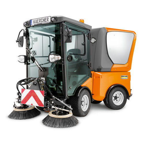 ride-on sweeper / diesel / compact