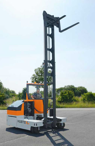 electric forklift truck / ride-on / industrial / telescopic arm