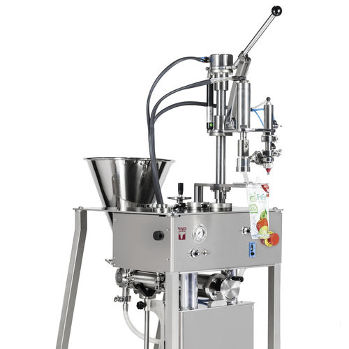 semi-automatic filling and capping machine / for viscous liquids