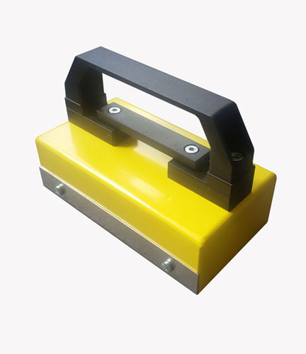 magnetic chip remover