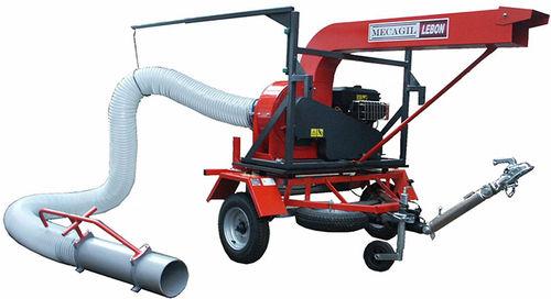 leaf vacuum cleaner / industrial / trailer-mounted