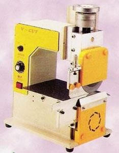 plastic cutting machine / for printed circuit boards