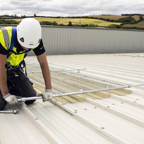 light coating / roof