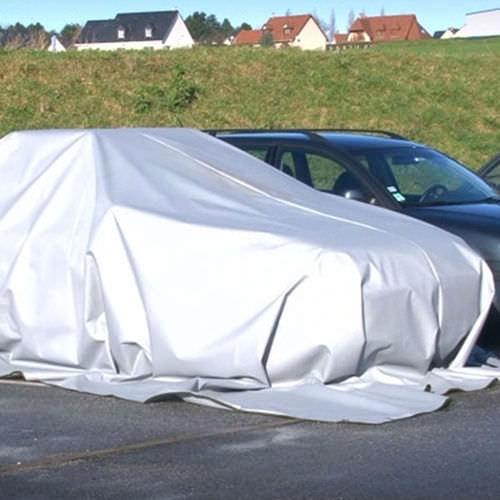 fire-retardant insulating blanket