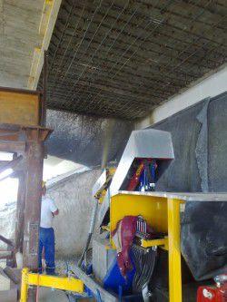 concrete spraying machine