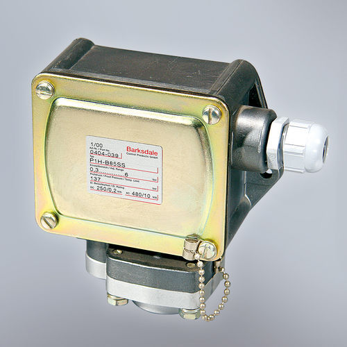 diaphragm pressure switch / adjustable piston