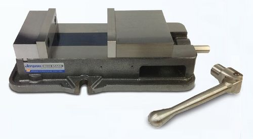machine tool vise / interchangeable jaws / for heavy loads / precision