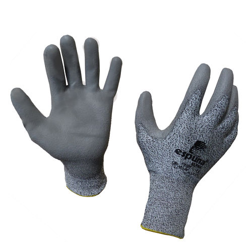 handling safety gloves