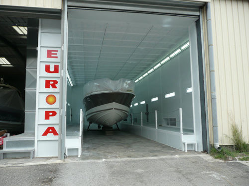 enclosed paint booth / for maritime applications / filter