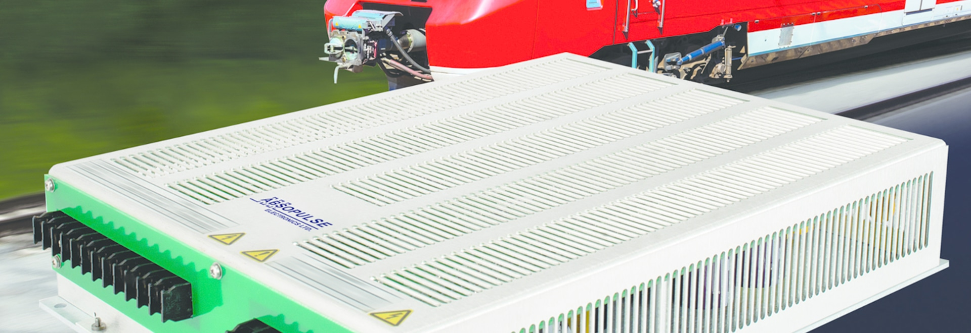300VA Railway DC-AC inverters deliver 3-phase pure sine wave output voltage