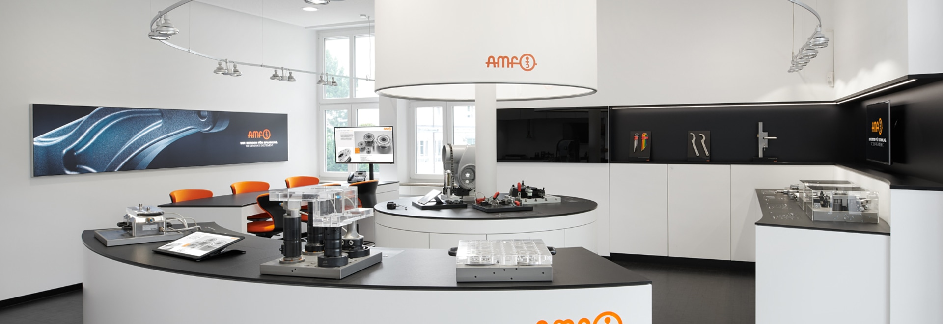 Above all, the jury praised the modern and clear interior design: modern AMF showroom.