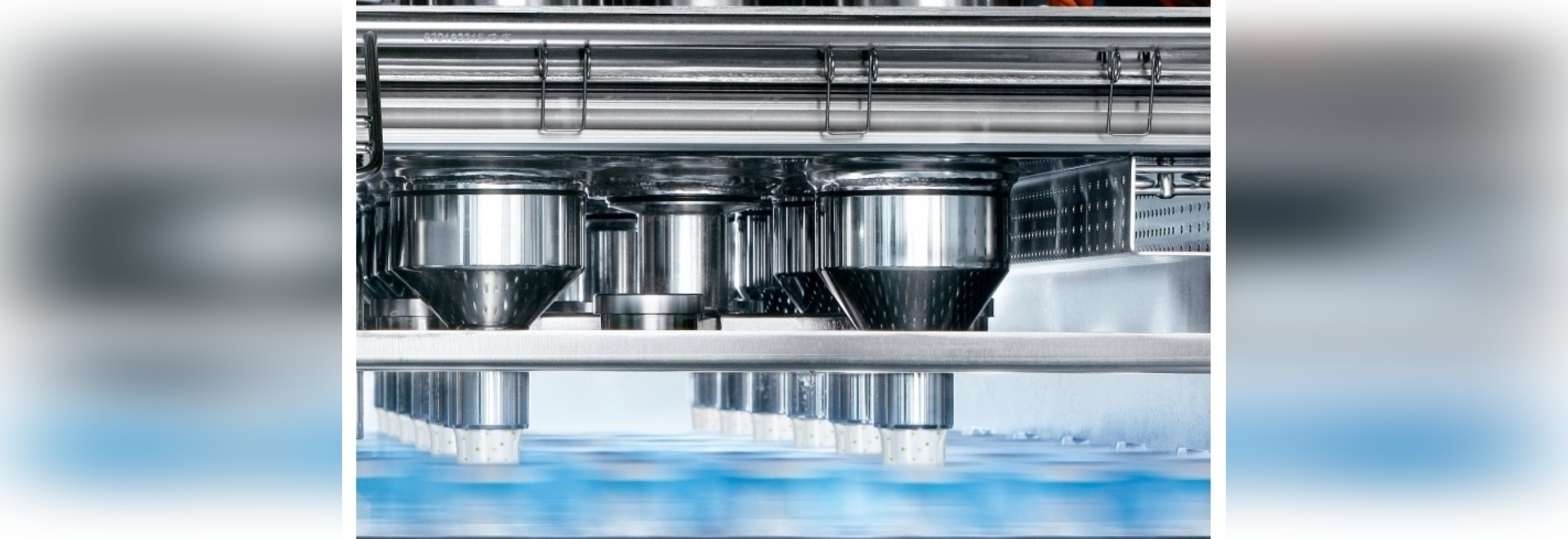 As part of its digital transformation drive for food and beverage manufacturers, all new SIG filling line systems and downstream units are now equipped with built-in bi-directional digital recipe m...
