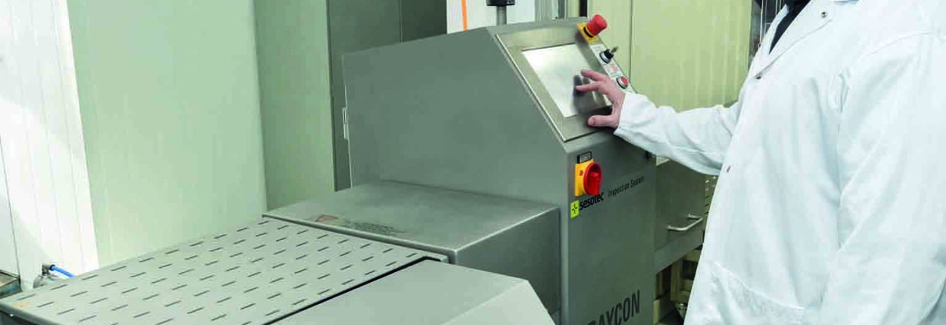 The Canadian sausage manufacturer dedided to use a RAYCON x-ray inspection system from Sesotec to meet the requrirements for SQF-certification.