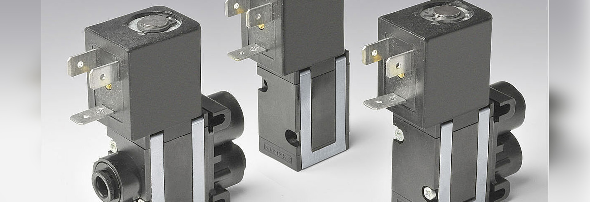 Directly controlled fluid isolation solenoid valve with NW 3.5