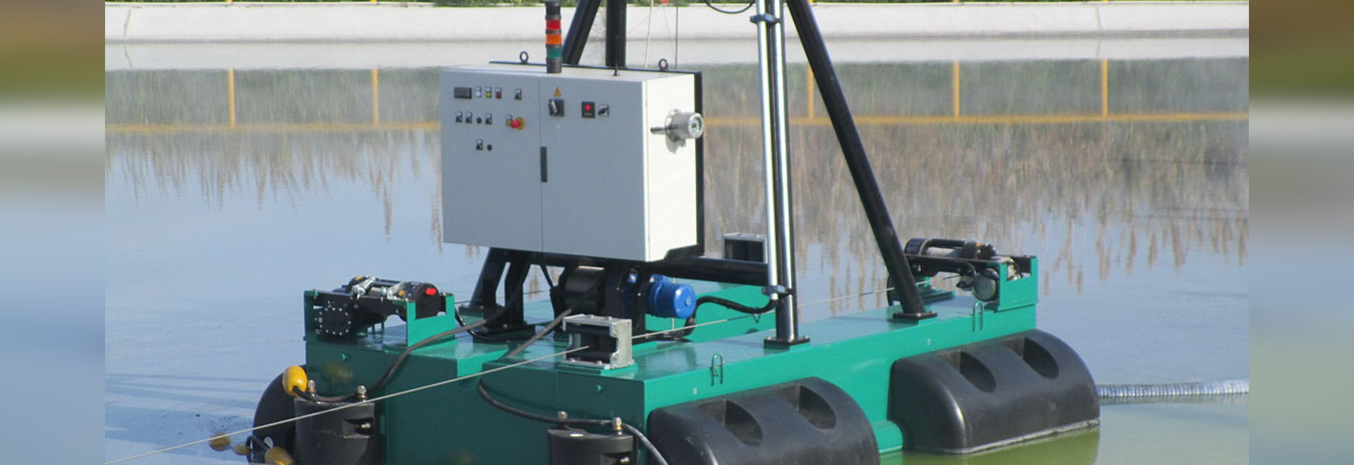 DRAGFLOW REMOTE CONTROLLED DREDGE FOR CHEMICAL INDUSTRY POND DREDGING