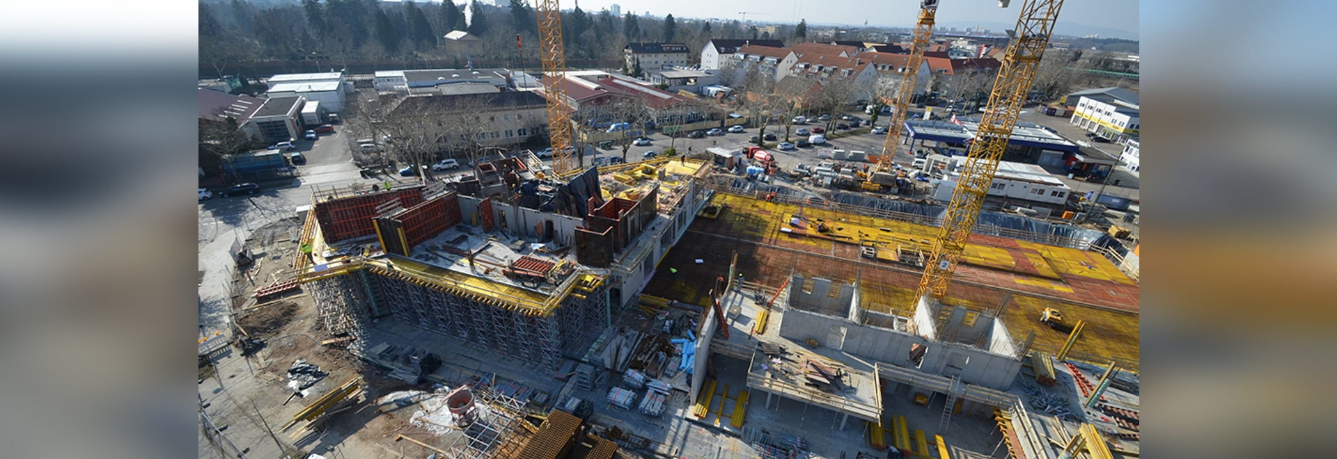 A gross floor area of approx. 15,000 m² plus garage will be constructed on a floor area of around 5,600 m². Ed. Züblin AG, Karlsruhe department, in the Freiburg region, which was responsible for th...