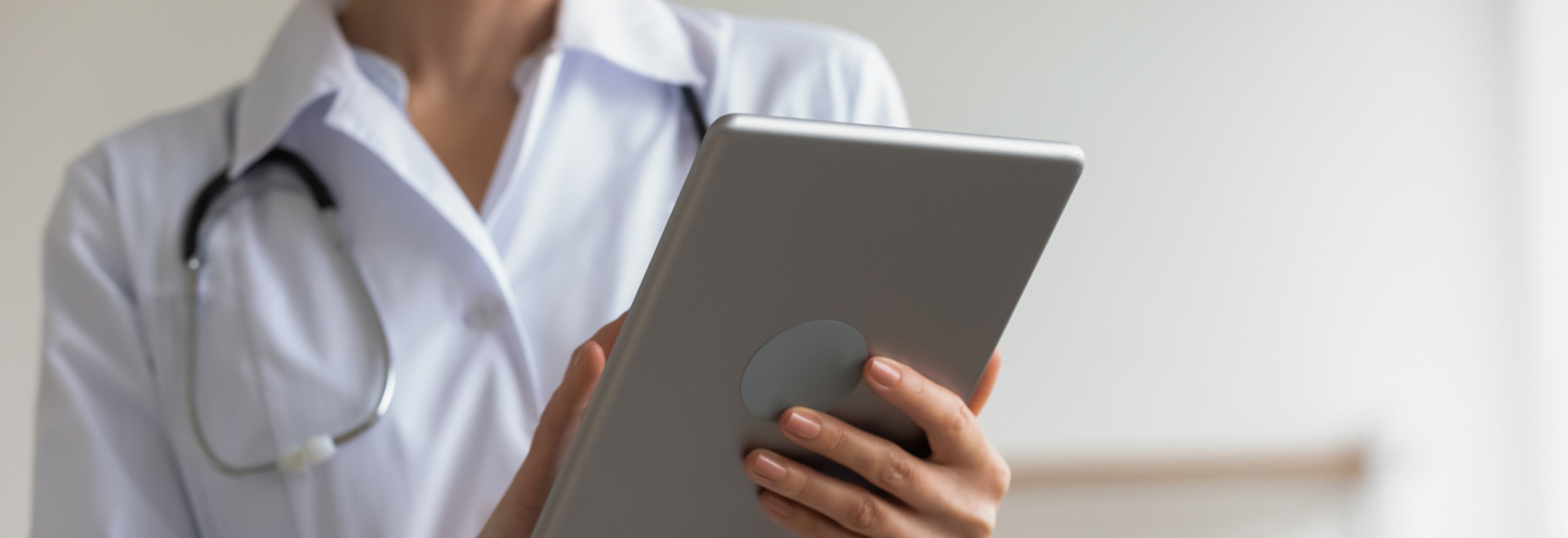 Healthcare professionals are losing a lot of time on administrative tasks because of unsuitable IT systems, particularly due to the under-use of connected objects