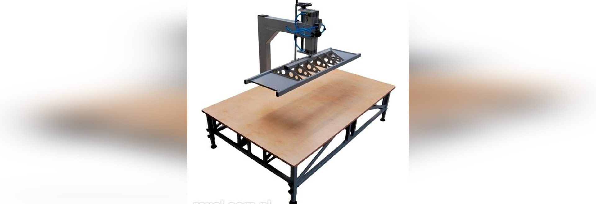 NEW: pneumatic press by REXEL