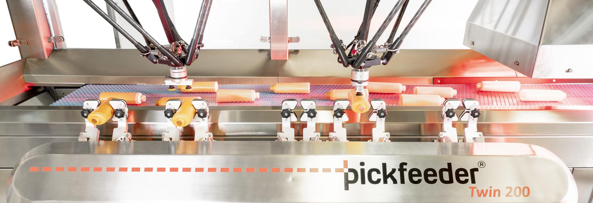 Robotic bottle unscrambler Pickfeeder Twin 200