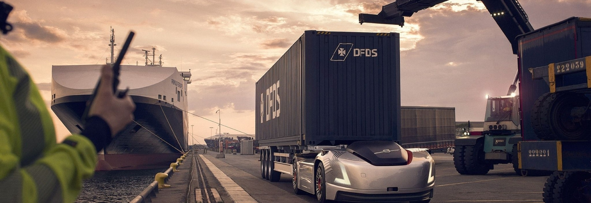 Volvo Trucks' autonomous and electric vehicle Vera is getting ready for a first assignment: the transportation of goods in a connected and repetitive flow from a DFDS' logistics centre to a port te...