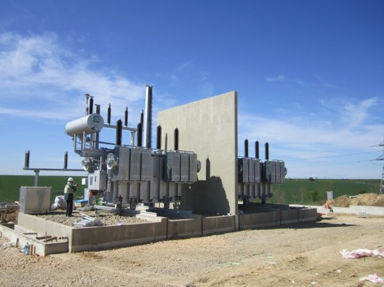 Example of a kolektor ETRA transformer equipped with a CERBERO fire wall and deported pit DEPOSIT