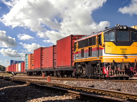 CSX and CN set to launch new intermodal freight service in joint venture