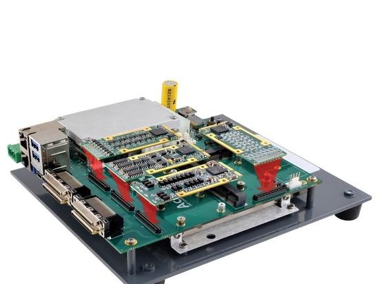 Type 10 carrier card hosts four mPCIe I/O modules