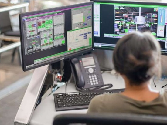 FactoryTalk View SE software gives users access to near-real-time system information