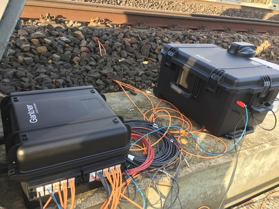 additional battery box for temporary vibration and axis load measurement on a railway bridge