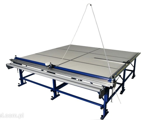 NEW: blind cutting table by REXEL