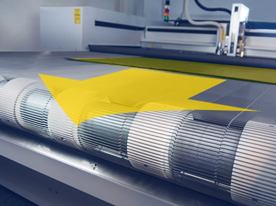 Cutting textiles without any material distortion