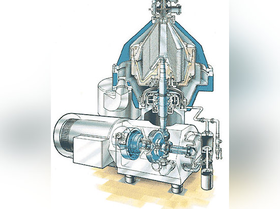 Tetra Pak 818 separators are used at the dairy processing plant.