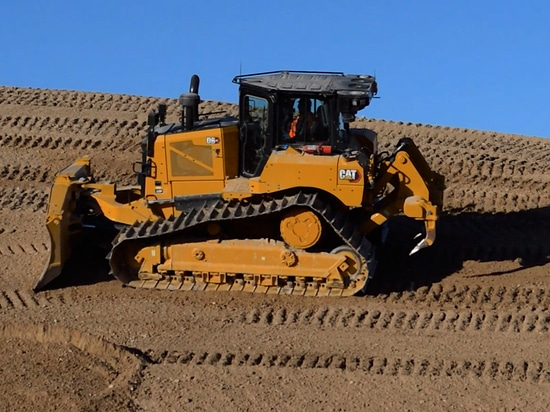 Cat unveils two all-new D6 dozers, one with electric drive, at Trimble Dimensions (VIDEO)