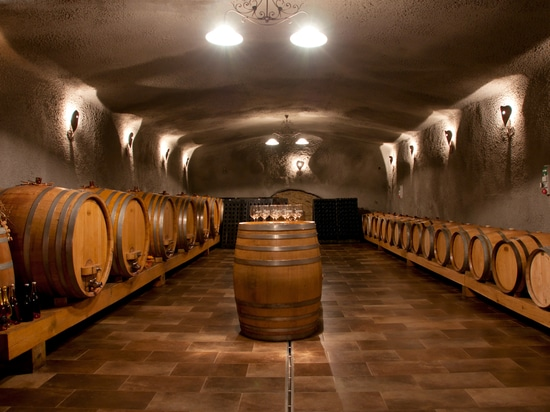 AIR HUMIDIFICATION SYSTEMS FOR WINE CELLARS