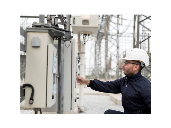 Rugged HMIs GT25 Series for Outdoor Use