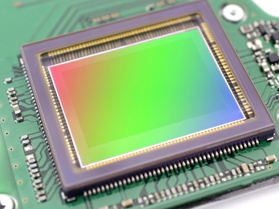 Understanding Imaging System Specifications for Pixel-Level Measurement of Displays