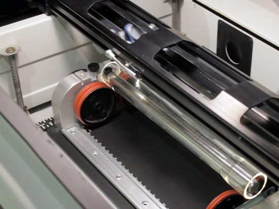 How-glass-tubes-for-variable-area-flowmeters-are-engraved-tecfluid