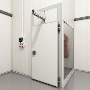 スイング式ドア