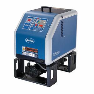 熱溶融性接着剤融合装置