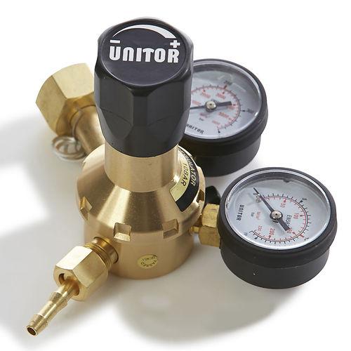 ガス圧力調整器