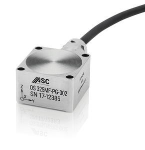 acelerômetro triaxial / capacitivo