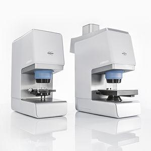 microscópio FTIR