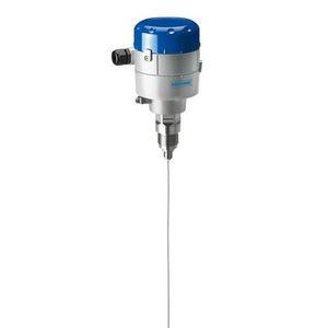 transmissor de nível de radar / radar por onda guiada TDR / para sólidos / para tanque