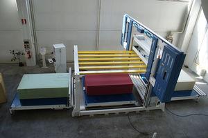 máquina de corte com serra de fita